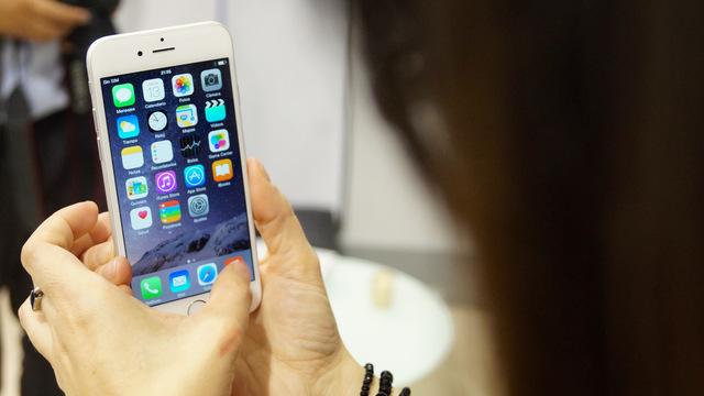 スマートフォンは記憶力や情報処理能力を低下させる