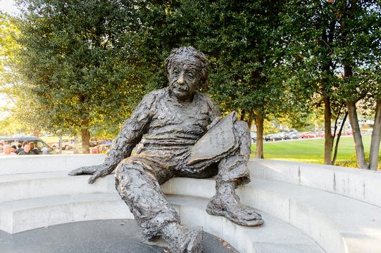 天才アインシュタインが父として息子に語った「学習法」が深い