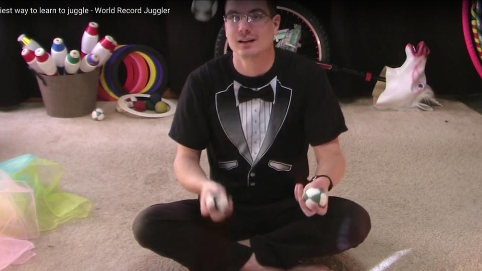 「ジャグリング」ができるようになる、超簡単な練習法