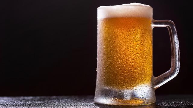 おいしさだけじゃない? ビールを泡だてたほうがいい意外な理由
