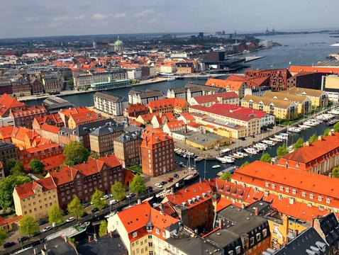 幸福度ランキング1位のデンマーク。彼らの生き方から学べることとは