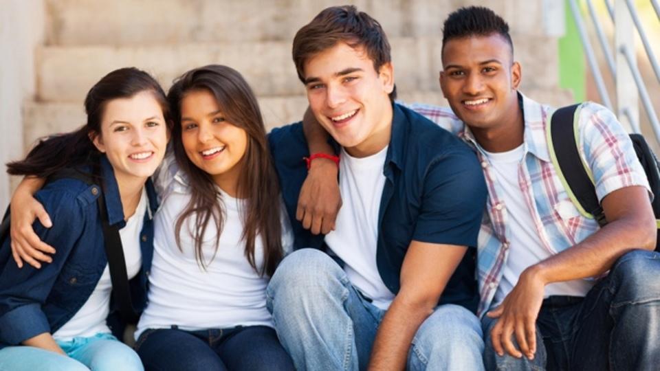 10代の子どもには、「狭く深い友情」をすすめよう