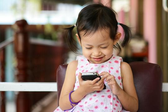 年齢別、子どものスマートフォン使用に関するルールの決め方