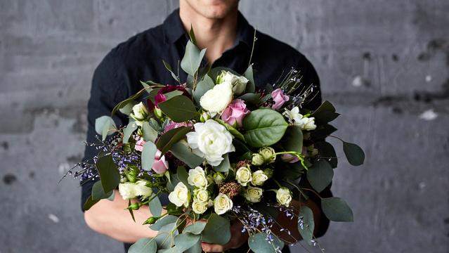 花束は迷惑? 「お花」を贈る時に知っておきたいマナー