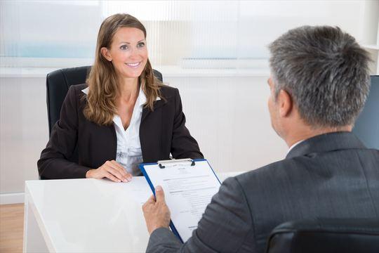 就職面接の定番「あなた自身について語ってください」に正しく答える方法