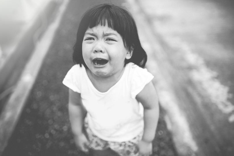 「泣くのはやめなさい」の代わりに、子どもにかけたい言葉