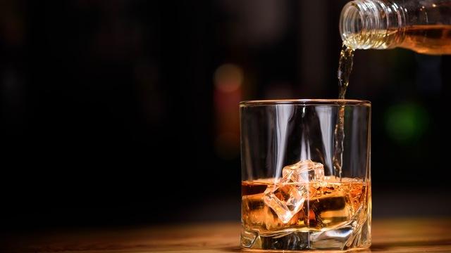 ウイスキーの風味や香りを堪能する「ノージング」のやり方