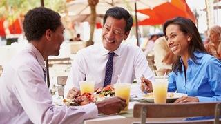 マナー1つで変わる関係性。クライアントから一目置かれるビジネスランチのマナーとは?