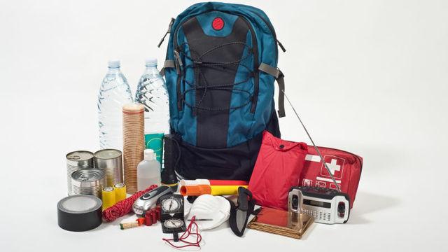 重要書類はUSBに保存。災害に遭う前にやるべき「避難バッグ」の作り方