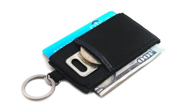 【本日のセール情報】Amazonタイムセールで80%以上オフも! 超極小財布やマルチアングルスマホスタンドがお買い得に