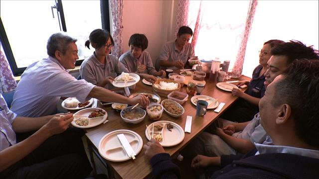 働くオトナの昼飯をひたすら紹介する『サラメシ』は、なぜ人気番組となったのか? プロデューサーに制作の舞台裏を聞いた