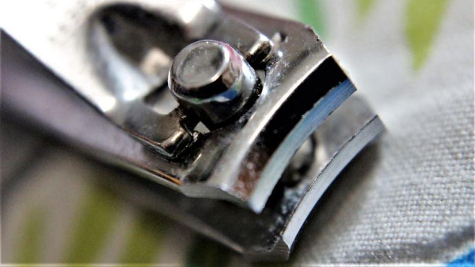 切った爪が飛び散らない、爪切りのベストタイミング