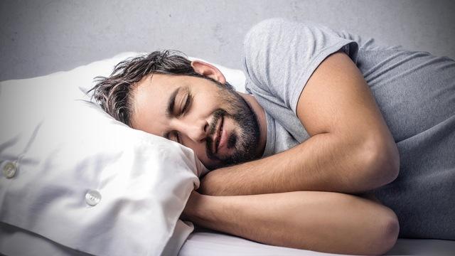 睡眠中、「これ夢だ」と気づくための方法