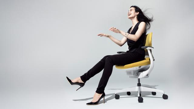 コクヨのオフィスチェア「ing」が世界一座る時間の長い日本人を救う、かもしれない