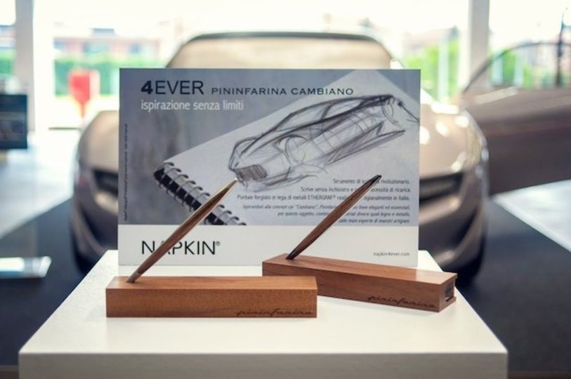 一生使える? インクがいらない不思議なペン「Forever Pininfarina Cambiano」