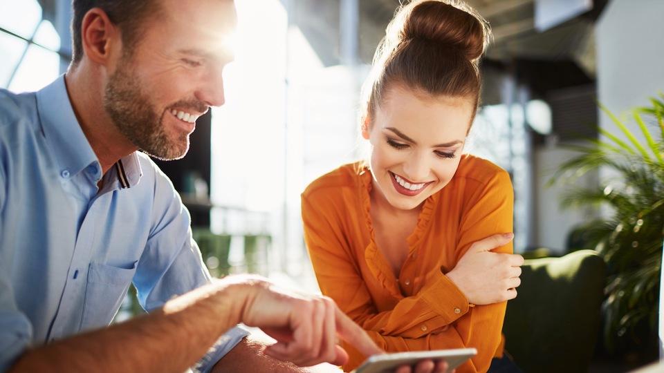 長くいい夫婦関係を築くコツは、事務連絡禁止のメッセージルームを作ること