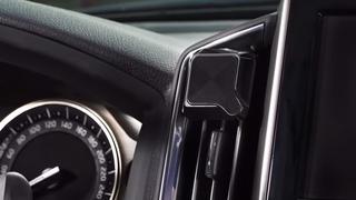 残り1日!安全で賢いドライブを実現する究極のスマートフォンマウント「QLYX」をおさらい