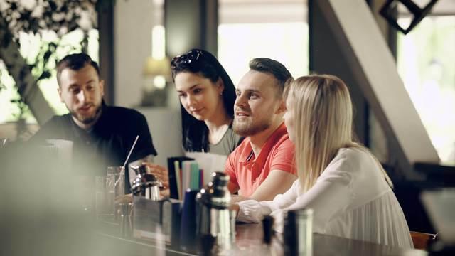 参加すべき飲み会とそうでない飲み会を見極める方法