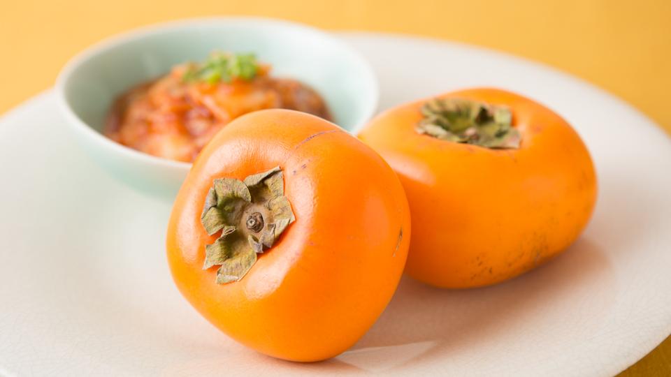 捨てるの待った!熟れすぎて柔らかくなった柿の救済レシピ
