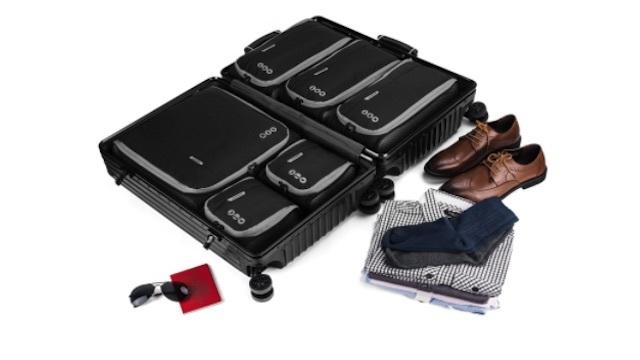 スーツケースの中できれいに収納できる「バッグスマート」のトラベルポーチ