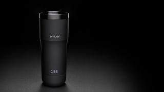飲み物をピッタリ最適な温度にキープしてくれる充電式マグ【今日のライフハックツール】