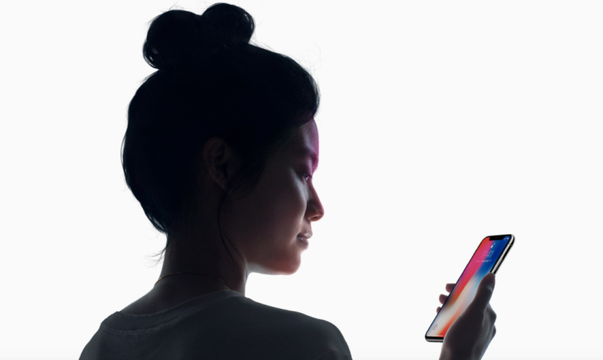 iPhone XのFace IDは血縁者にアンロックされる危険性がある