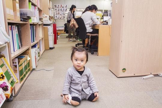 子連れ出勤大歓迎。授乳服ブランド社長が提案する、洋服1枚から始まるママたちの新しい働き方