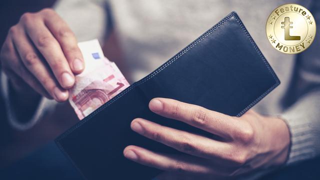 独身の人は休暇中の出費が多い? 帰省やプレゼントにかかる費用を節約する方法