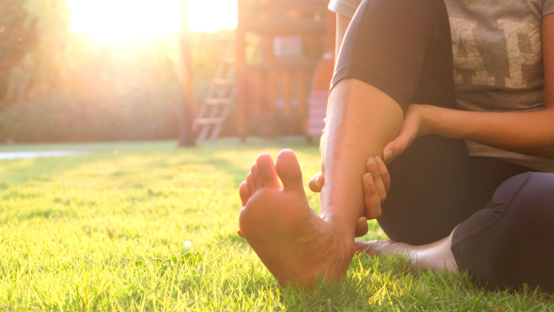 足 が つる 対処 法