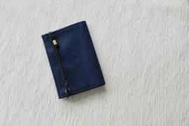 シャツの胸ポケットに入る薄さと軽さ。話題の小さい財布「Litt」を使ってみた