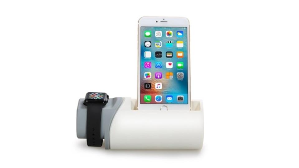 充電と収納を一体化。スマホとApple Watchを同時充電できるEReachの卓上スタンド