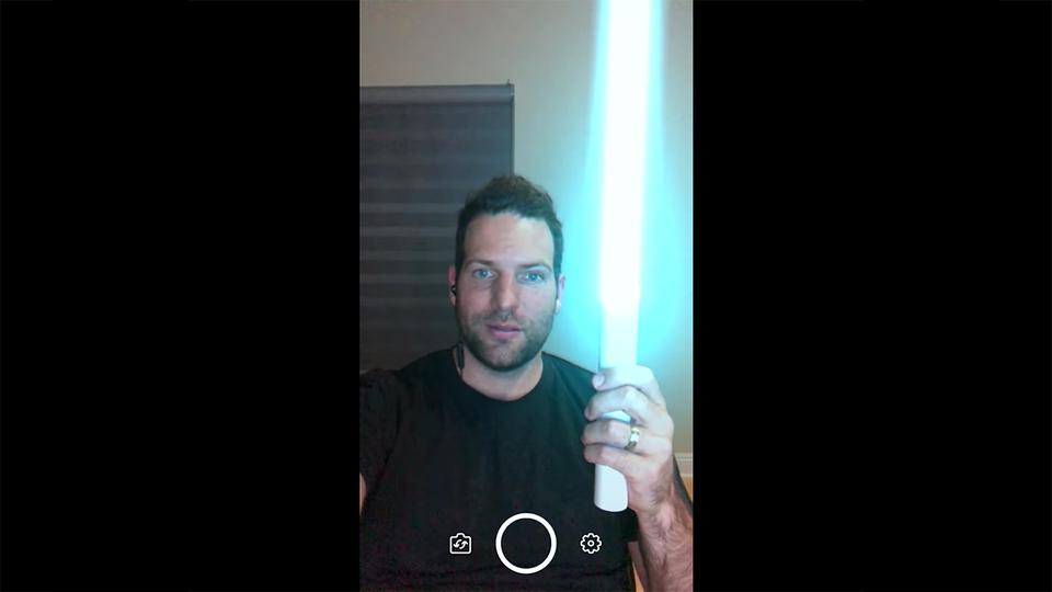 ARで『スター・ウォーズ』のライトセーバーが出せるアプリ『InstaSaber』