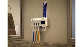 「コップに差すだけ」を卒業。歯磨き粉ディスペンサーも付属するスマートな歯ブラシホルダー