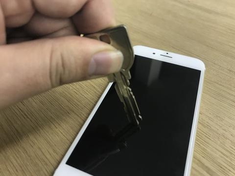 iPhoneで実験!スマホ画面を15倍強くしてくれる液体プロテクター「DIAMOND DEFENSE」を使ってみた