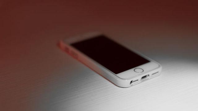 Appleの最新「iOS 11.3」アップデートではバッテリー寿命を自分で管理できるけど、そうすべきでない理由