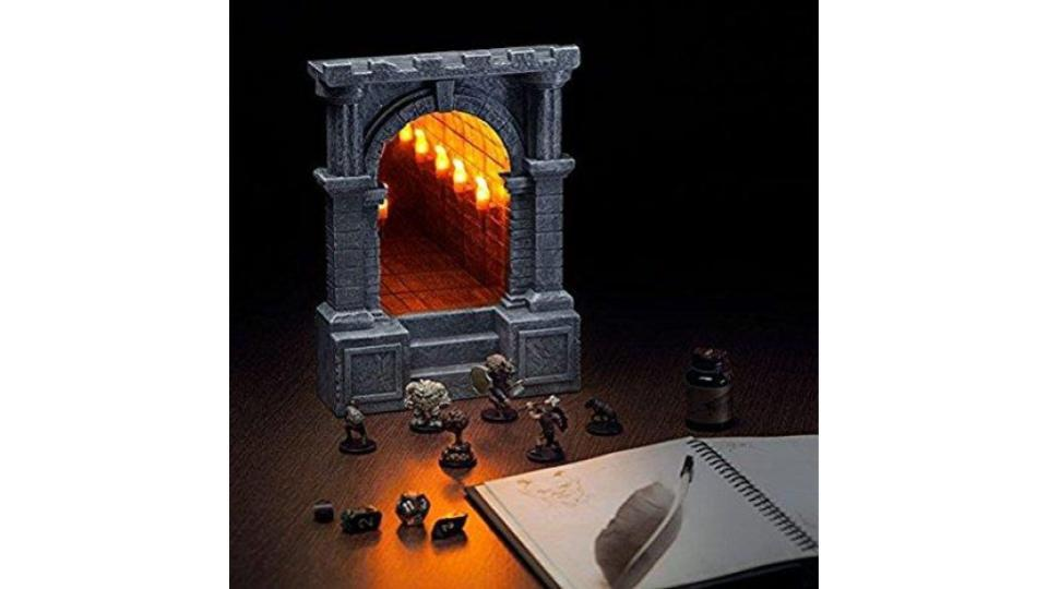 奥にラスボスがいそうで賞。RPGの世界にひたれるアイテム