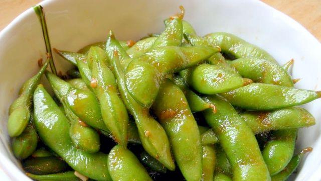 やめられないおいしさ。自宅でできる「枝豆ニンニクバター」簡単レシピ