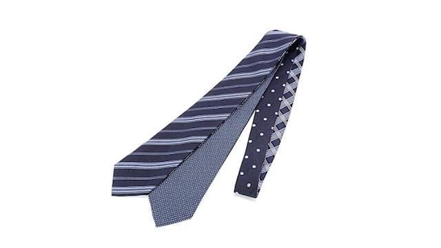 ビジネスや結婚式にも。1本で4通り楽しめるメンズメルローズの「4way ネクタイ」