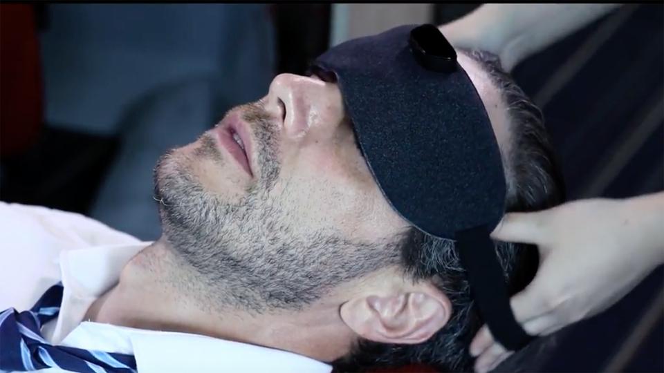 快眠テックはここまできた。つけるだけで「いびき」を防止するアイマスク型デバイス