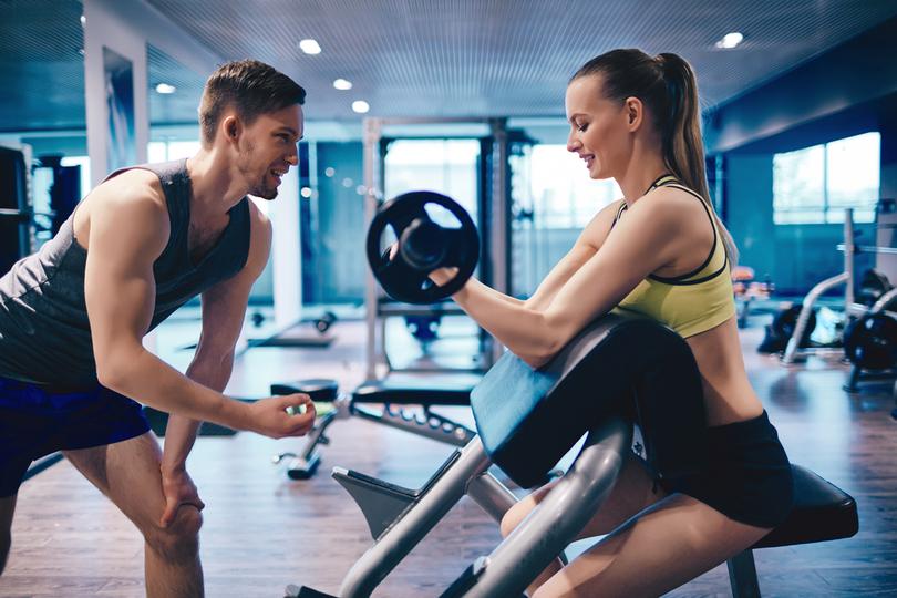 スポーツジムの効果を最大限にするためにトレーナーと良い関係を作る ...