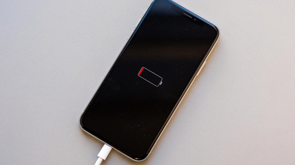 iPhoneのバッテリーをリセットする方法 | ライフハッカー[日本版]