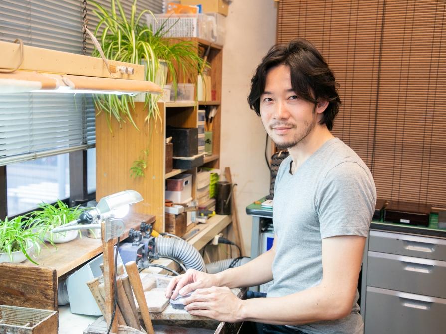 日本で唯一の「製硯師」が語る、デジタル時代だからこそ直筆が放つ魅力と毛筆の楽しみ方