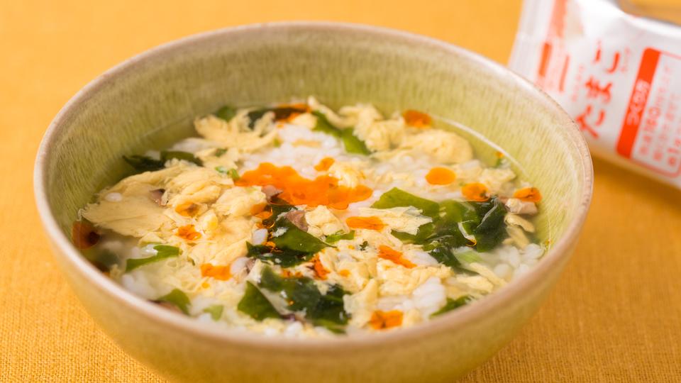 簡単でおいしい雑炊レシピ3品|コンビニ食材とパックご飯で作る
