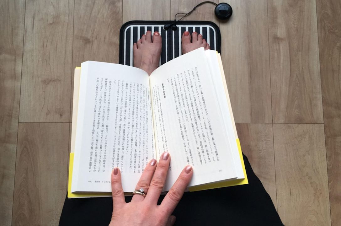 『BIKYAKU』でエクササイズしながらのんびり読書もできます