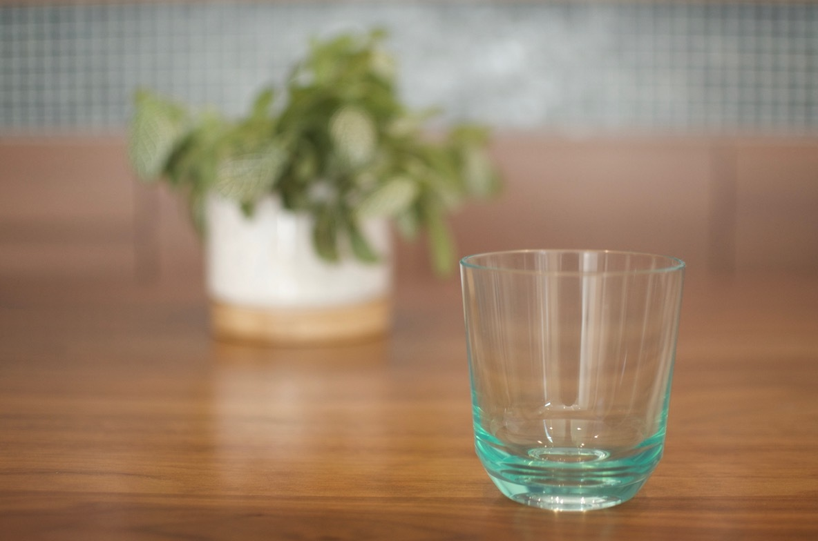 割れないグラス
