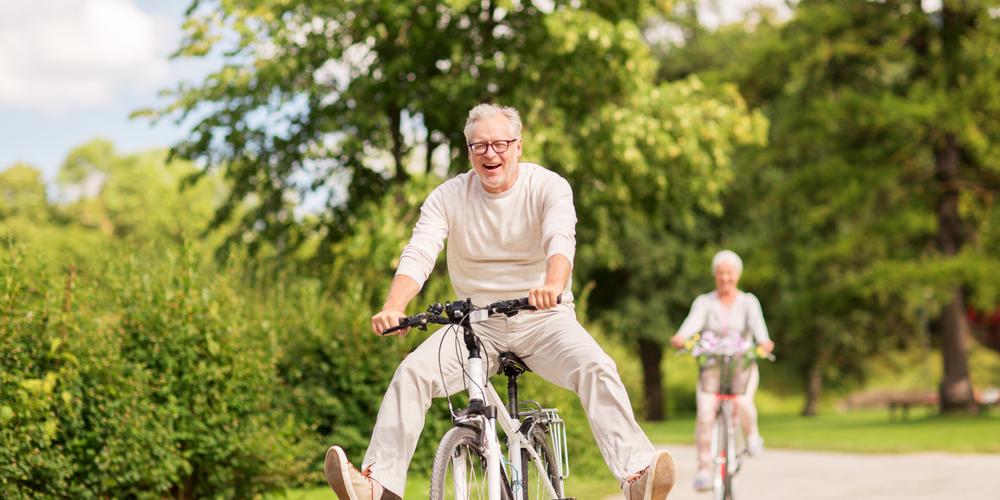 自転車と老人