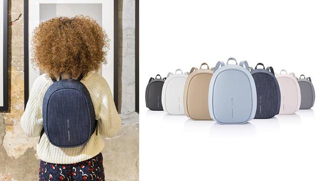 「Bobby Elle Anti-Theft backpack」カラーバリエーションと背負っているところ