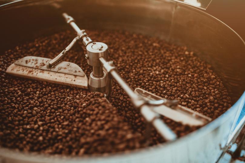 焙煎中のコーヒー前