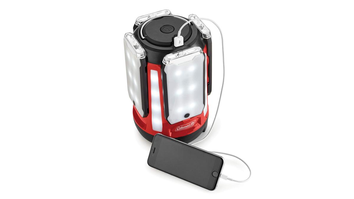 「Multi-Panel LED Lantern」でスマホに充電ができる