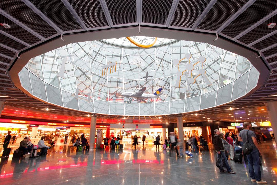 フランクフルト空港(FRA)